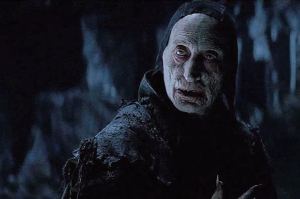 Чарльз Дэнс в роли вампира